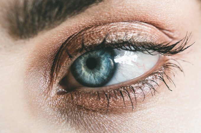 Useful Tips to Get Rid of Tired and Worn Out Eyes